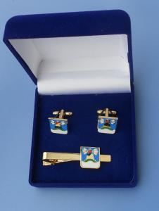 velvet box for cufflinks and tie clip